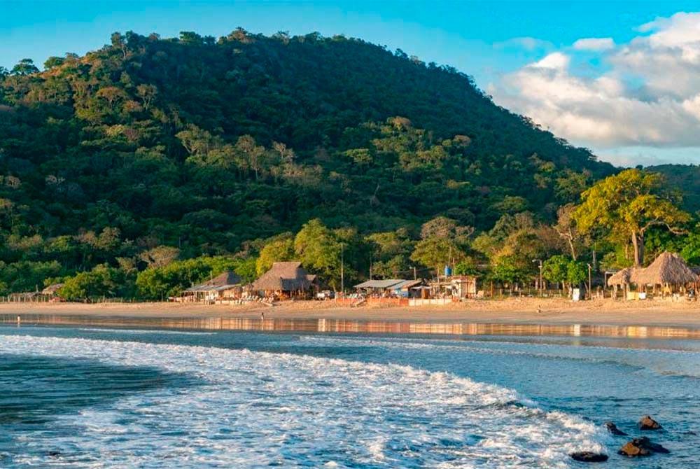 Surf Camp & Yoga Retreat Near Remanso Beach, Nicaragua